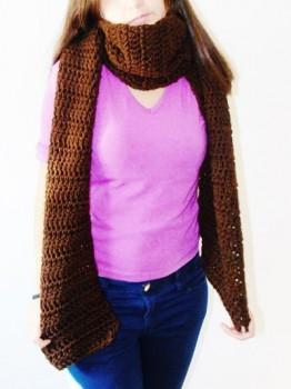 bufanda marrón ganchillo